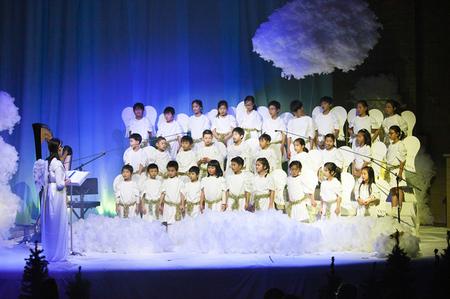 Hark! The Herald Angels Sing - Glory to the newborn King!!