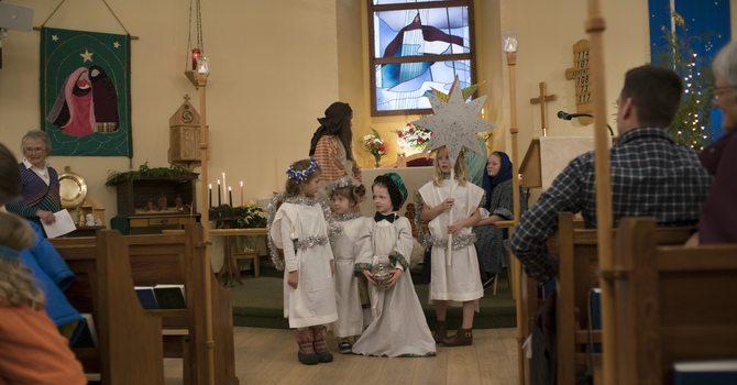 PHOTOS : Children's Christmas Eve Service