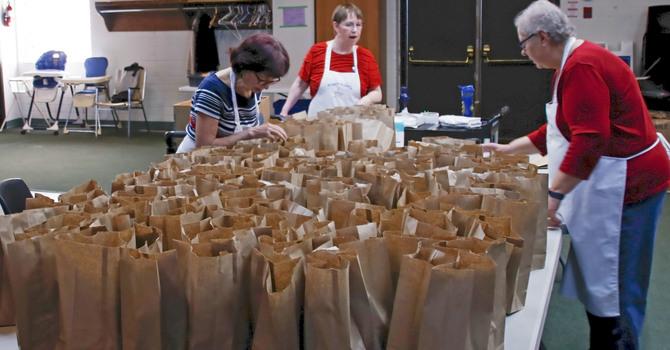 Auggie's Cafe Brown Bag Lunch Program image