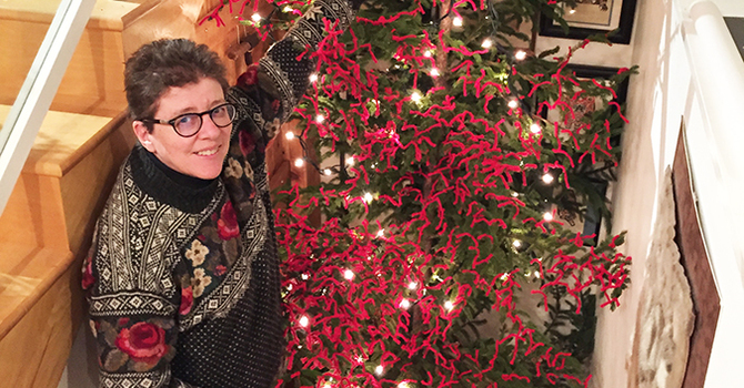 A red-yarn prayer tree for Advent image