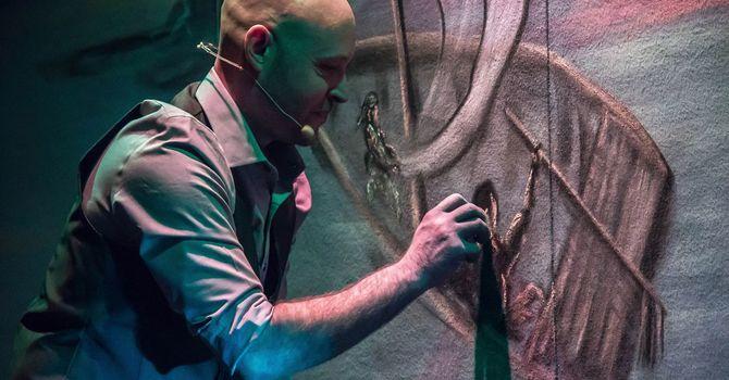 Chaulk Artist/ avec  L'Artiste à la Craie:  François Bergeron  image