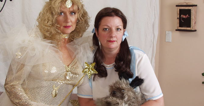 Glinda & Dorothy-The Wizard of Oz