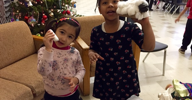 Christmas Messy Church gathers families image