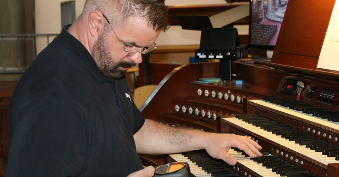 Joyful Sounds: Tuning the Pipe Organ image