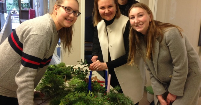 Sunday Advent Wreath Making Pictures image