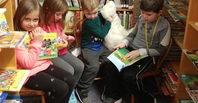 Reading Buddies/Kids Come First Volunteers meeting