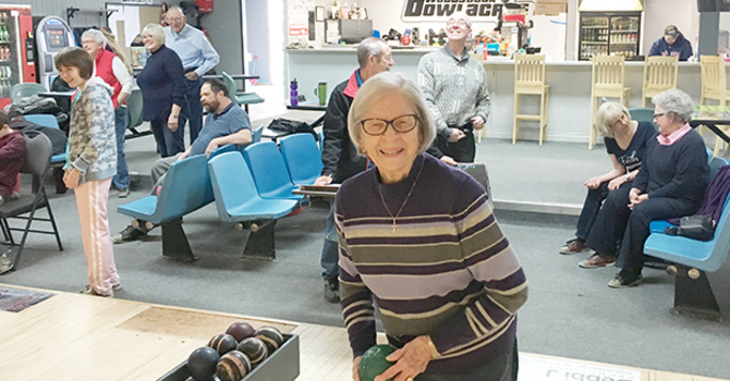 Record-breaking day at the bowling alleys! image
