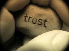 09 40 28 0 12 40 28 0 trust1
