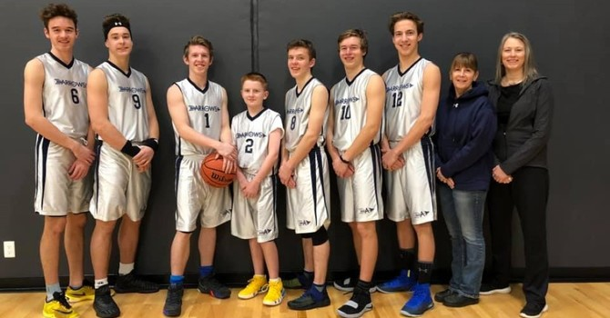 Sr. boys finish well at Islands tournament image