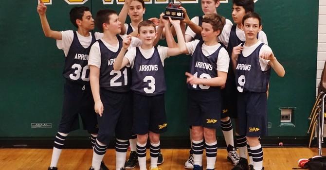 Gr. 7 boys basketball team wins Subway Cup image