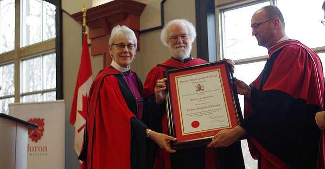 Rowan Williams receives honorary doctorate from Huron University image