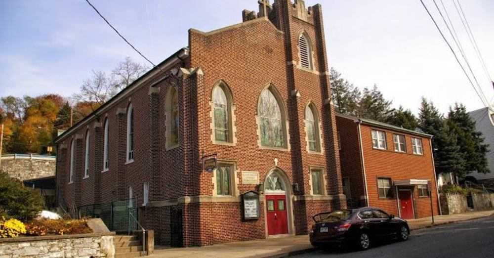 Wednesday Morning Worship at Trinity