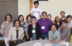 Bishop%20alawas%20poses%20with%20philippine canadian%20anglicans%20at%202016%20mission%20conference