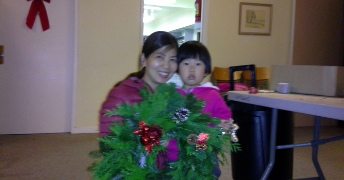Friday.com-Christmas Wreath Making image