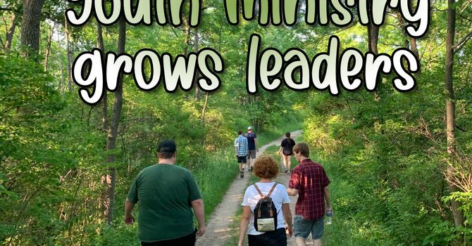 Growing Leaders image
