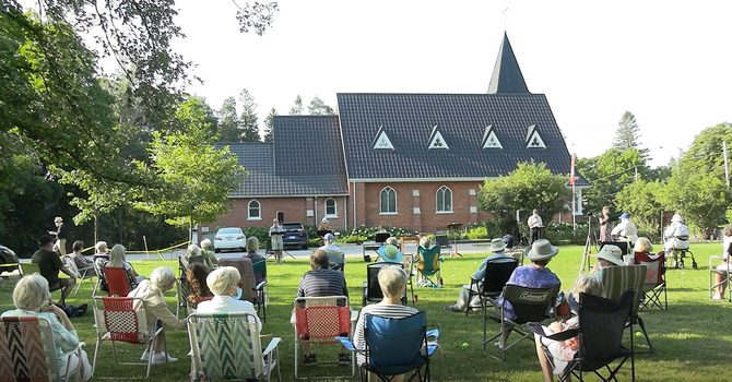 """""""Services on the Lawn"""" begin this Sunday!"""