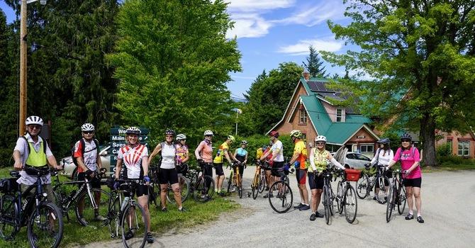 Cyclists take on a heat wave  image