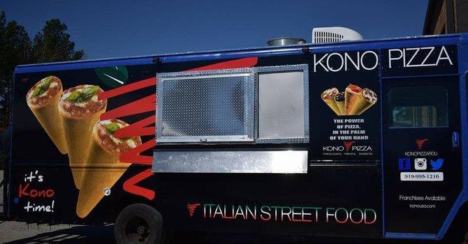 Beavertails and Kono Pizza Food Trucks
