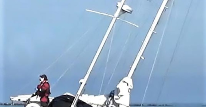 Delta Lifeboat rescues lone yachtsman image