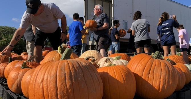Asbury Pumpkin Patch Unloading