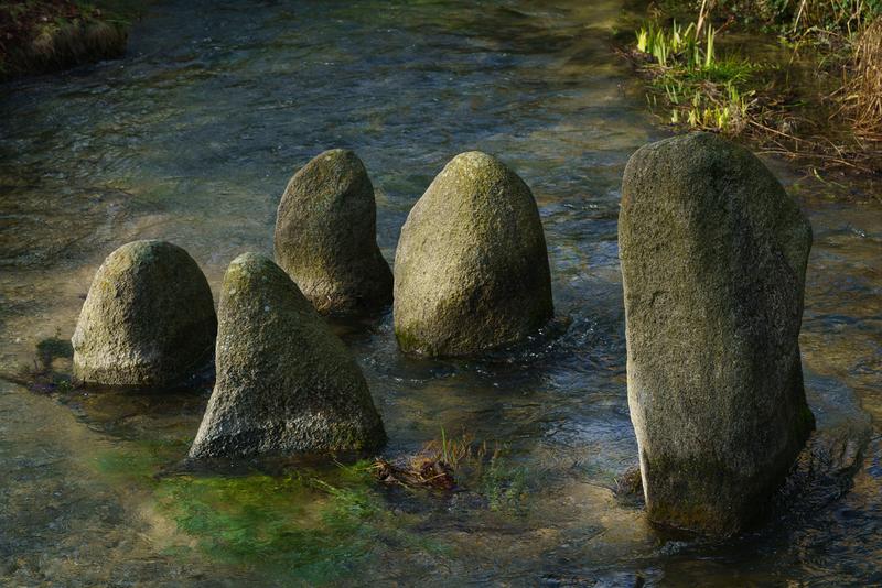 在吉甲立石为记