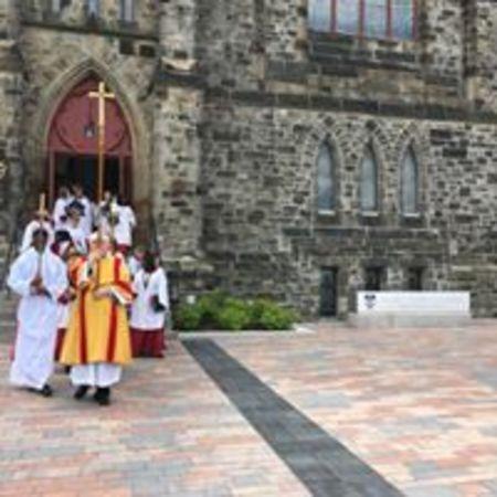 Bishop dedicates Homeless Jesus sculpture at Cathedral